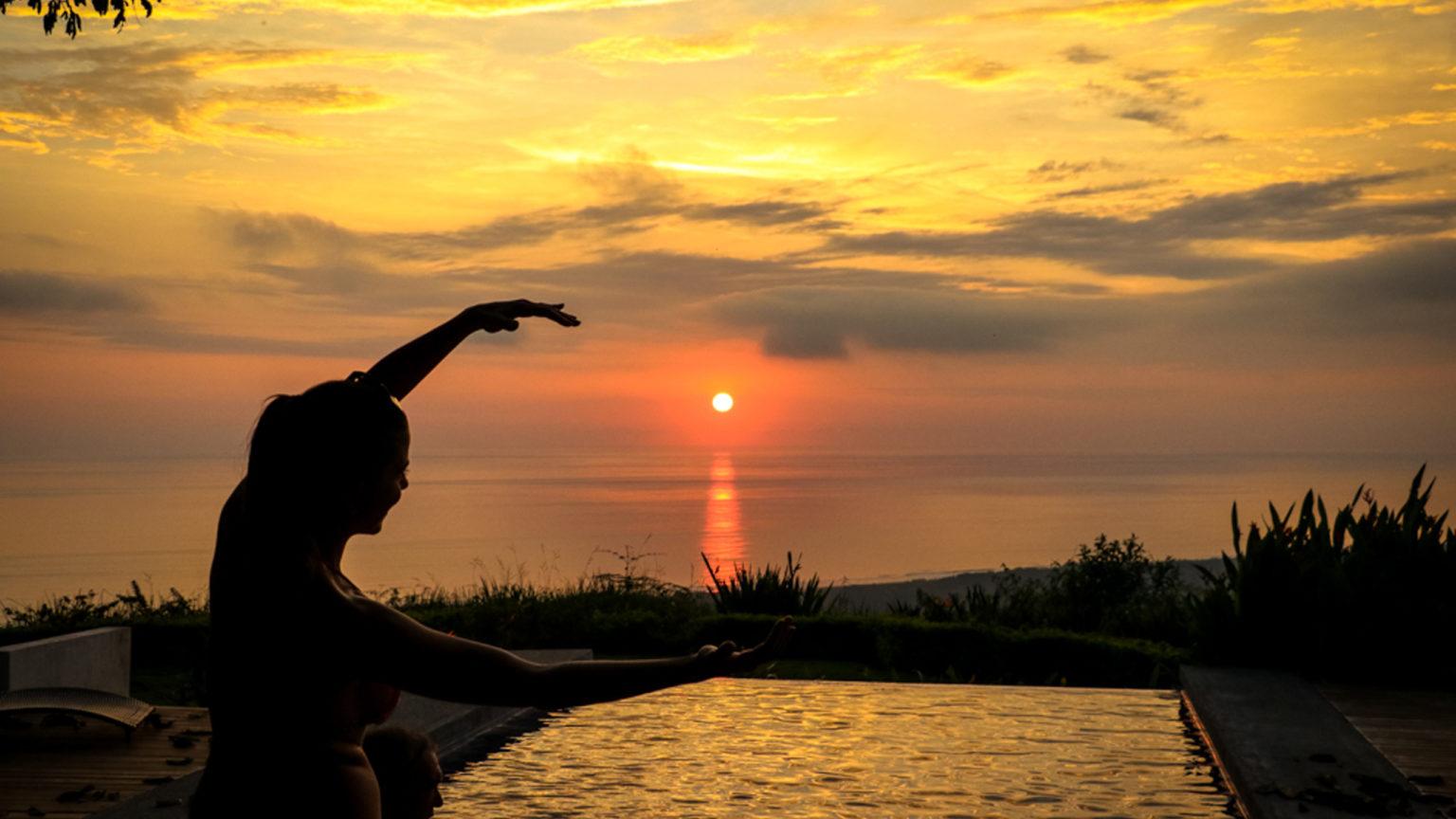 Costa Rica Sunset Kalon Surf Pool