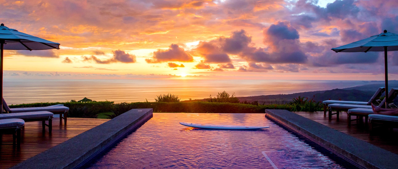 Landscape Pool Kalon Surf Resort with Sunset